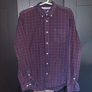 Tommy Hill figure button down size medium